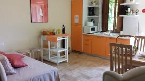 各アパートにはキッチンもあって便利