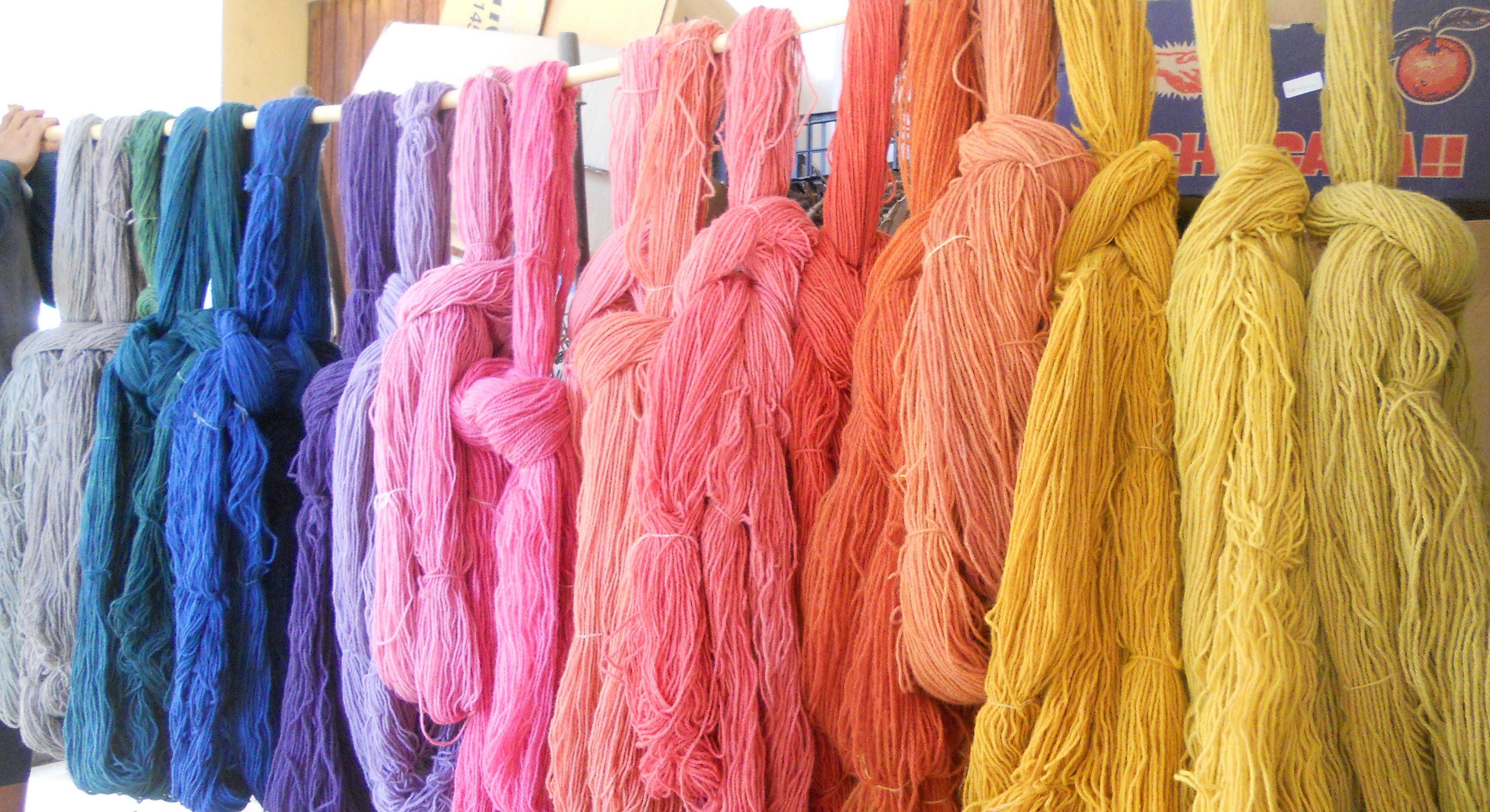 天然素材の染色で自分だけの色を作る
